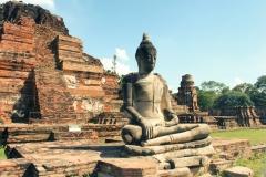 Будда на руинах храма, Аюттайя